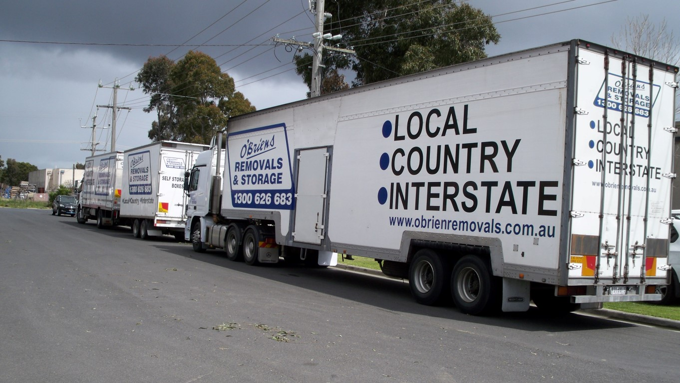 interstate removals large truck with trailer